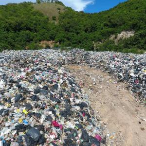 """Pattaya City Hall admits Koh Larn in """"crisis"""" as trash takes over"""