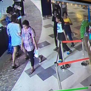 Pattaya police hot on the trail of fortune teller con artist who tricked teens shopping in department store