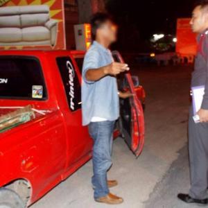 Phuket woman, 46, dead after colliding with open truck door on Thepkrasattri Rd