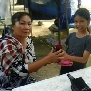 Little Phuket girl rewarded for returning bag full of cash and gold