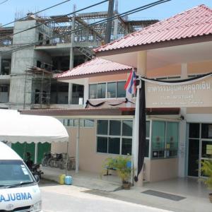 Phuket's new Chalong Hospital hits halfway