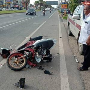 Two Myanmars in critical condition after rear-ending a bus