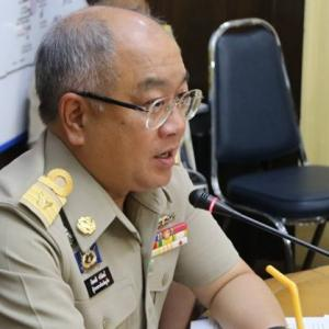 Phuket Governor calls in public transport drivers to clarify 'good service'