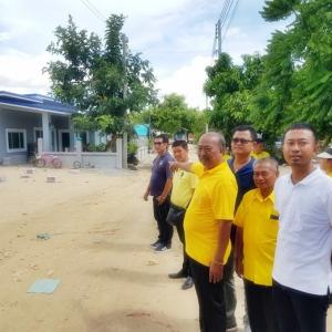Takhiantia tells new residents to stop complaining about slow development