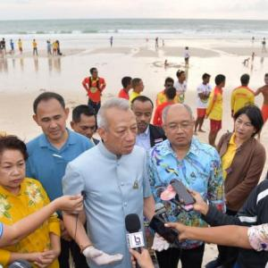 Tourism Minister promises more support for Phuket's lifeguards