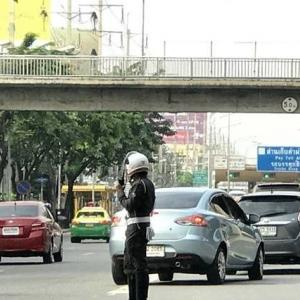Traffic police cannot confiscate driver's license under a new traffic law in effect from Aug 20th