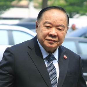 Prawit urges five Phalang Pracharat ministers to vacate House seats