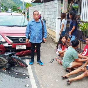 Snatch thief injures father, daughter