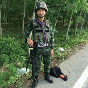 Relatives mourn Phuket soldier's death in Pattani road-bomb attack