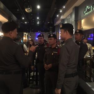 Raids net drug takers and under age drinkers at two Pattaya nightclubs