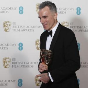 Triple Oscar winner Daniel Day-Lewis retiring from acting