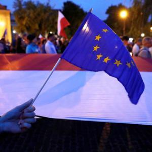 EU executive to start legal action against Poland over judiciary reform