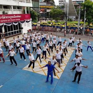 """Video: Pattaya cops in fitness drive to """"improve efficiency"""""""