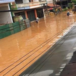 Northern border market under 30cm of floodwater
