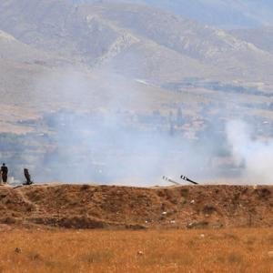 Lebanese army, Hezbollah announce offensives against Islamic State on Syrian border