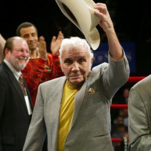 Jake LaMotta, boxing's 'RagingBull,' dies in his 90s