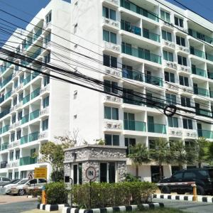 Teenage girl with depression jumps to her death at Pattaya condo